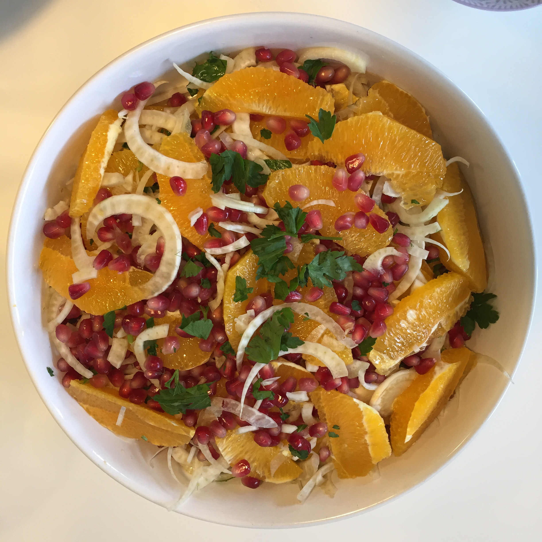 Madværkstedet: Frokostbuffet med farverige salater og grillet kylling | DoodleMor